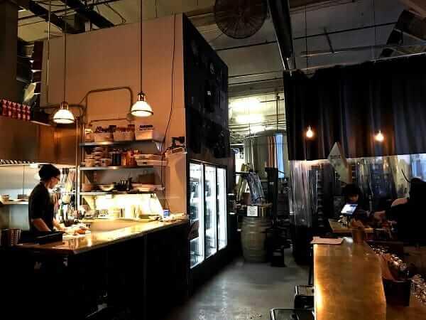 ブラッドブラザーズ醸造所の内装